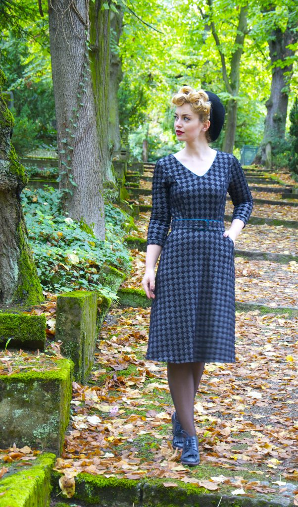 Swing Dress Mlle Tambour Schwarz