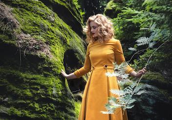 Herbstliebe Vintagemädchen Gracy Q