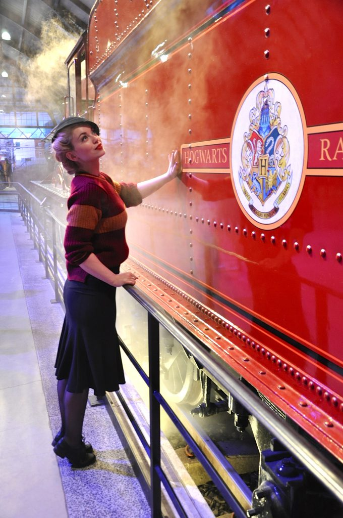 warner-brothers-studio-tour-london-hogwarts-express3