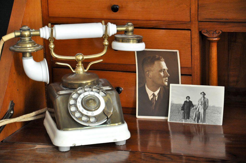 Flea Market Tips Telephone