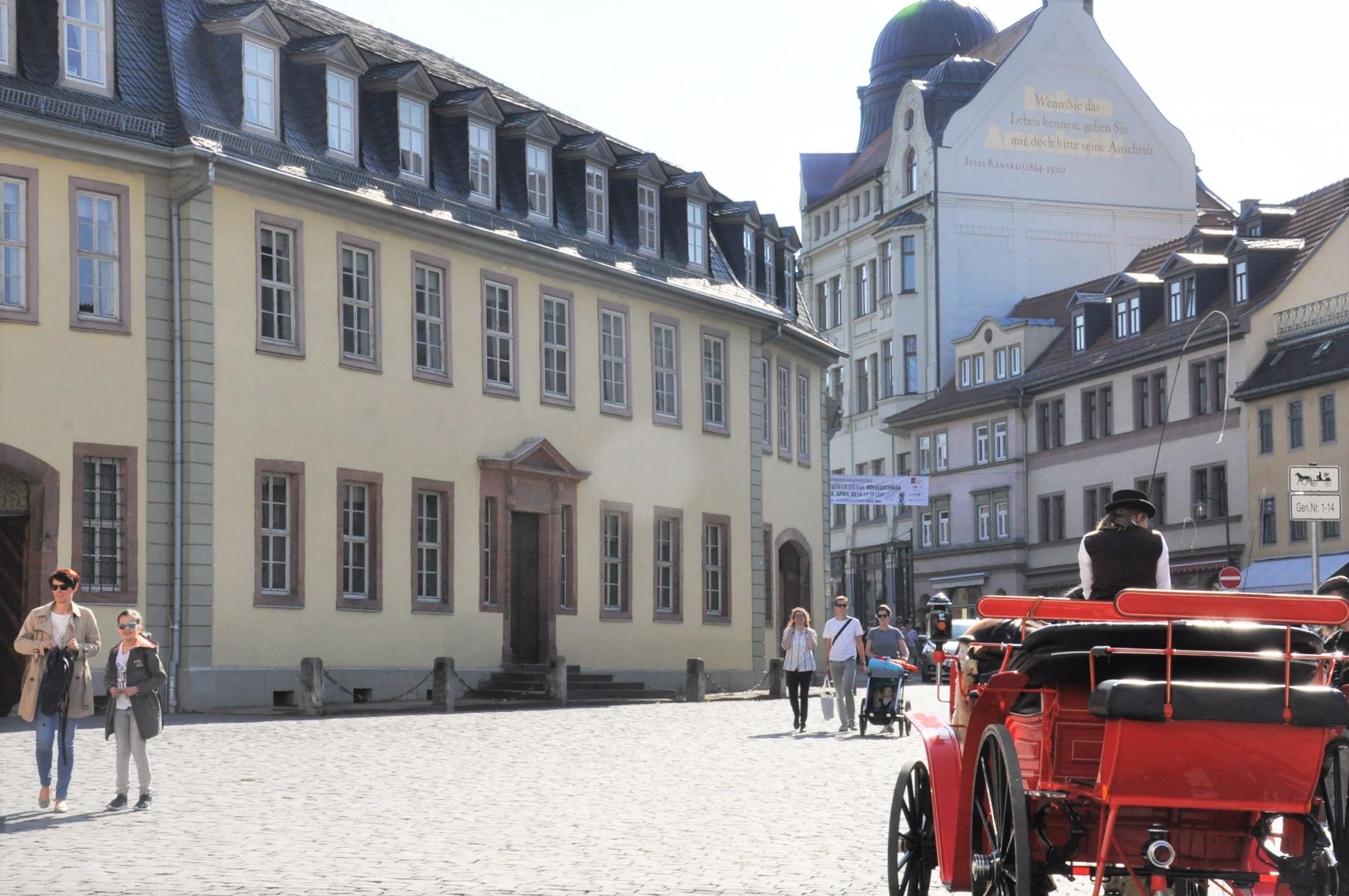 Goethe Wohnhaus Historischer Stadtrundgang durch Weimar - Duchess Anna Amalia Library - (1)