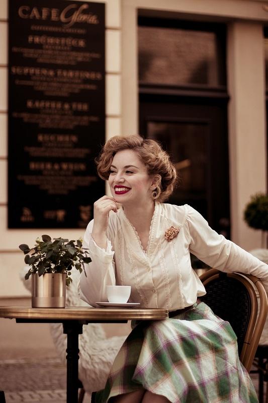 1 Café Gloria - Frühlingsspaziergang durch Leipzig _ Spring Stroll around Leipzig _ 1950s Vintage Fashion _ Victoria Beyer (65)