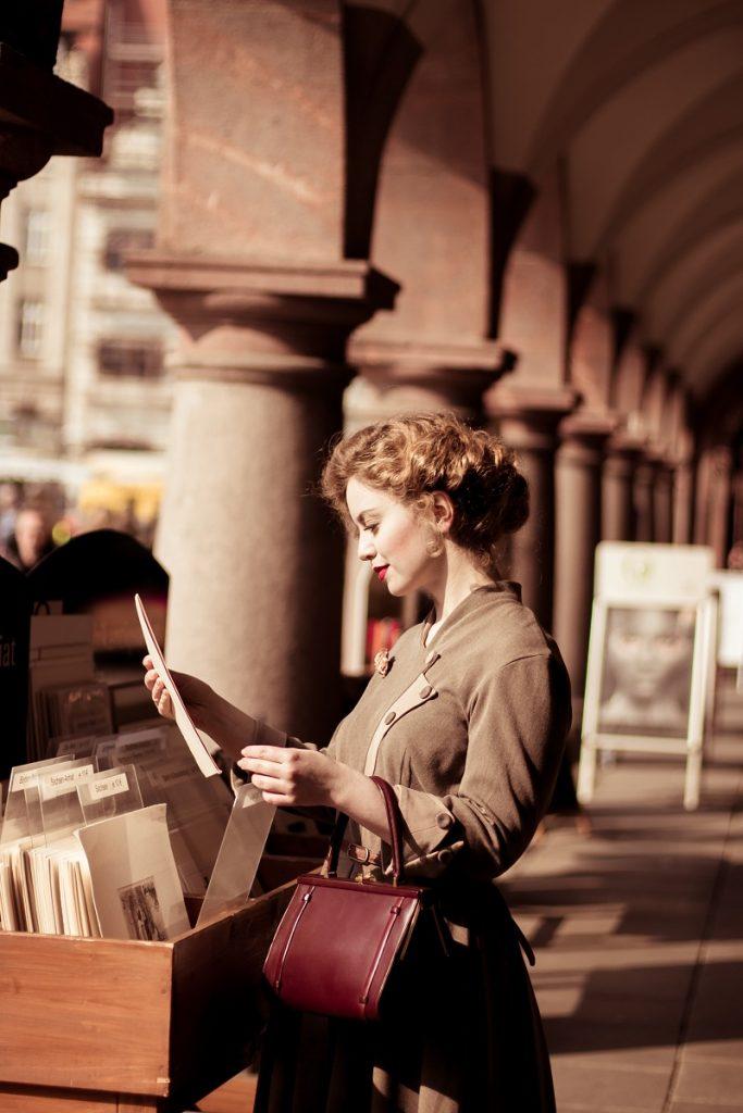 1 Frühlingsspaziergang durch Leipzig _ Spring Stroll around Leipzig _ 1950s Vintage Fashion _ Victoria Beyer (62)